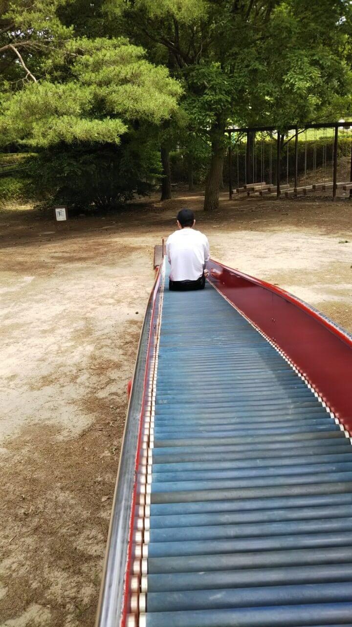 ひたち海浜公園の長いローラー滑り台